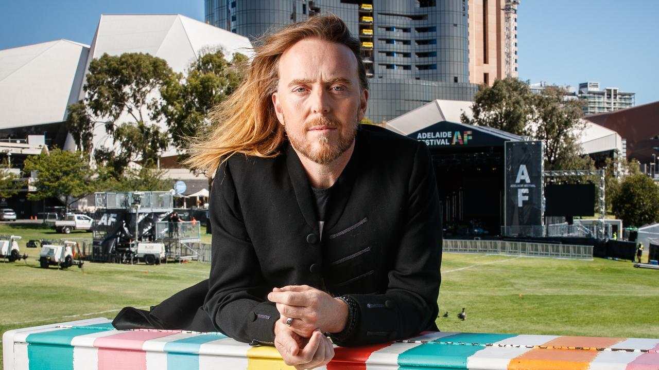Tim Minchin is urging all artists to look beyond COVID-19 for inspiration while they are in isolation, saying he hopes they do more than write about the virus.