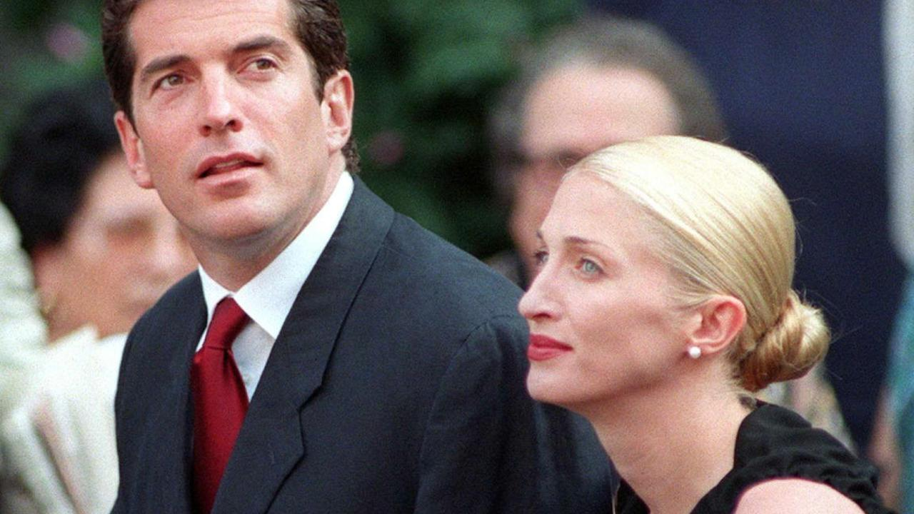 8/8/1998. John F Kennedy Jr and his wife Carolyn Bessette in Italy.