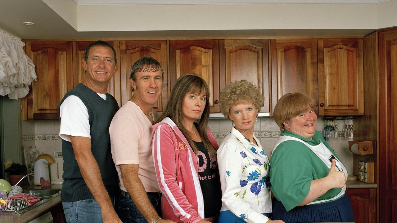 Brett, Kel, Kim, Kath and Sharon in Kath & Kim.