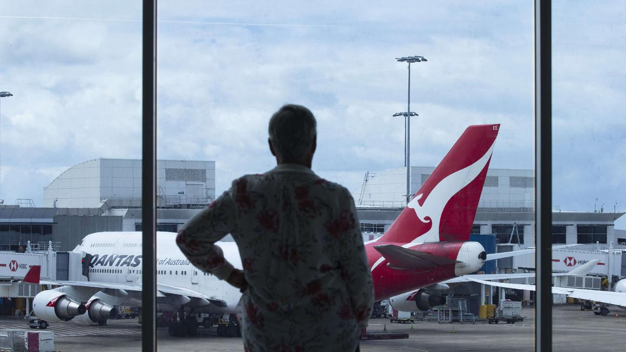 Qantas cuts flights