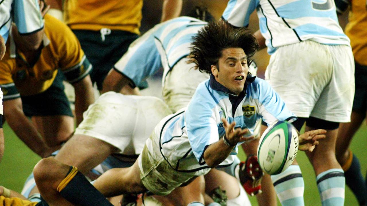 Legendary Pumas halfback Augustin Pichot with his signature dive pass against Australia at the 2003 World Cup. Picture: Mark Evans