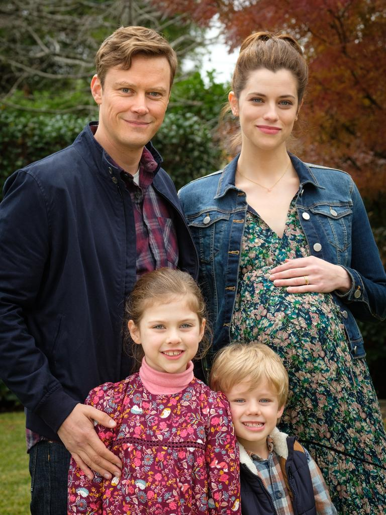 Michael Dorman and Jessica De Gouw play parents Jack and Meghan in The Secrets She Keeps.