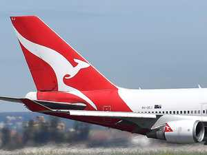 Qantas' Anzac Day rescue flight for more stranded Aussies