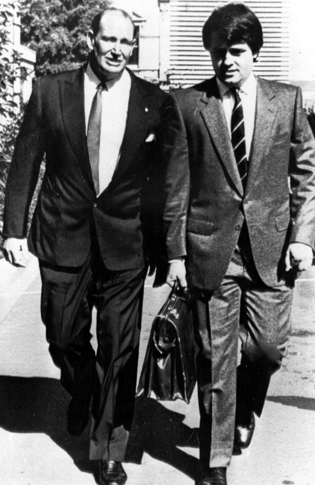 Businessman Kerry Packer arrives at the Costigan royal commission with his lawyer Malcolm Turnbull in 1984.