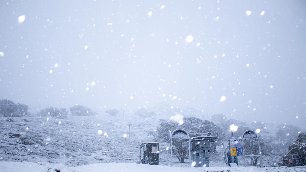 Fresh snow began falling over Perisher early this morning and is expected to continue over the coming days. Picture: Perisher