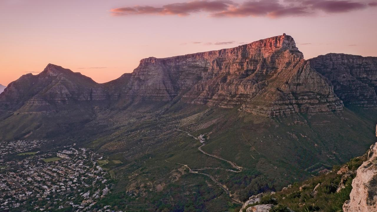 Table Mountain is a romantic place to propose.