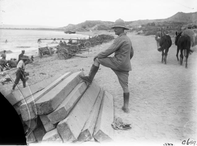 Lieutenant General Sir William Birdwood at North Beach, Anzac, on the day of the final evacuation, 19 December 1915. Source: Anzac Portal