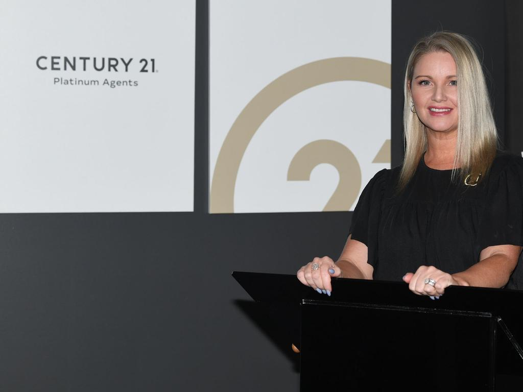 Chantelle Groben of Century 21 Platinum Agents