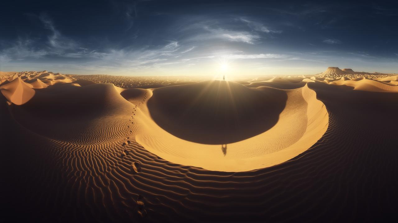 Shiny Shapes One More 360° Braketing, In Sahara Desert (Tunisia).Picture:Alessandro Cantarelli /The EPSON International Pano Awards 2019