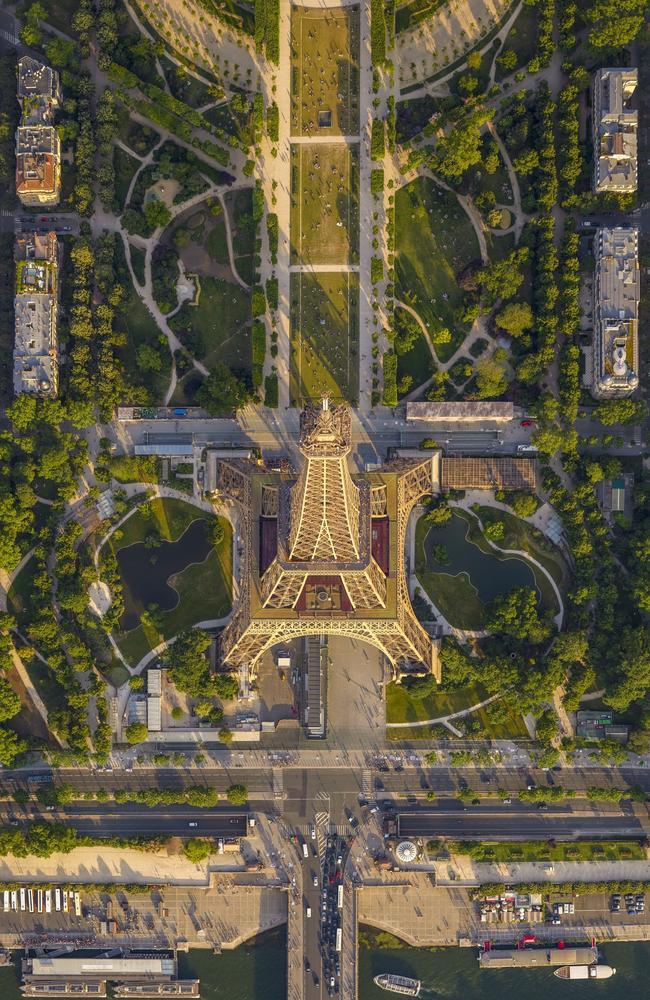 Tour D'Eiffel Paris, France.Picture:Jeffrey Milstein/The EPSON International Pano Awards 2019