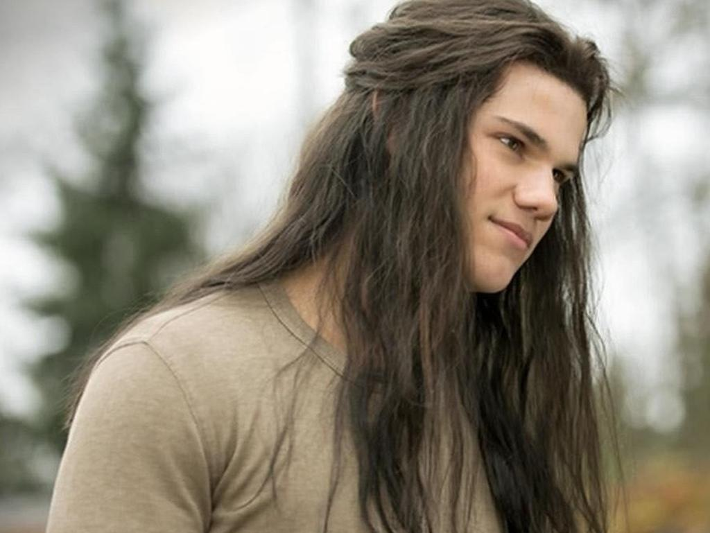 Taylor Lautner in a scene from Twilight.