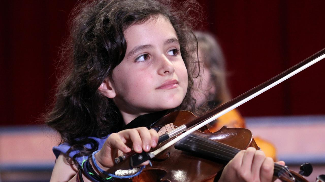 Keep the kids occupied for hours with these free online music lessons and activities from some of Australia premier musical institutions.