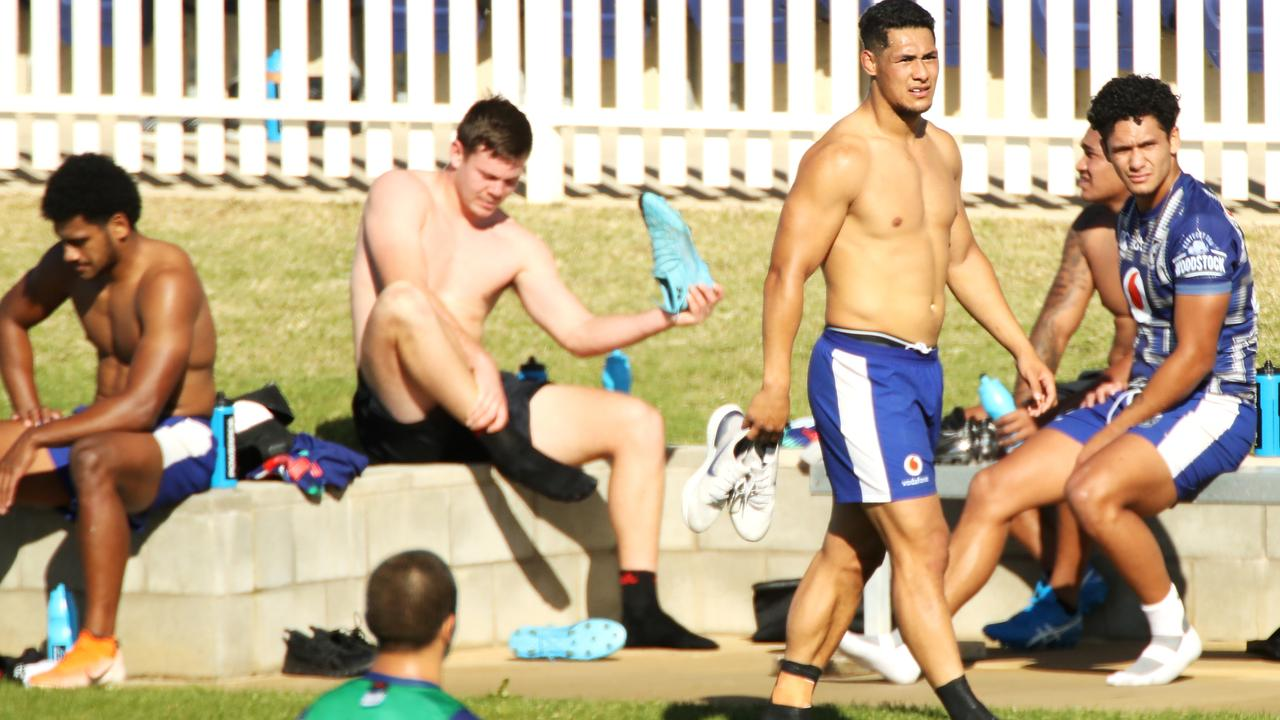 Roger Tuivasa-Sheck enjoys the autumn weather in Tamworth. Photo: Mark Kolbe/Getty Images