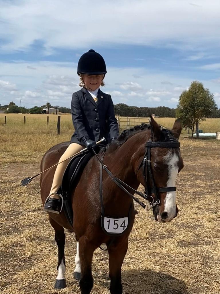 Kalli Nowell on her horse Cherrytree Vagabond.