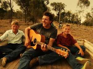 Country music icon seeks rural talent