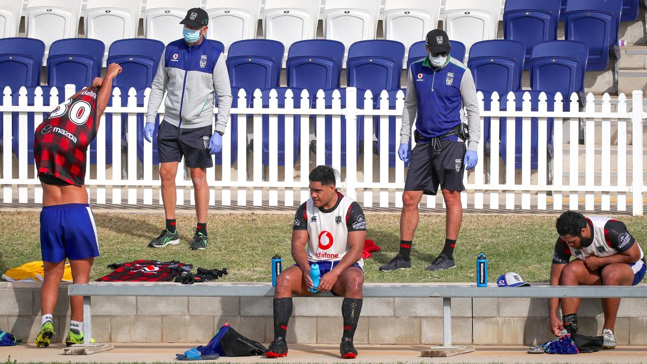 This unprecedented season could unite the Warriors. Photo: AAP Image/David Gray