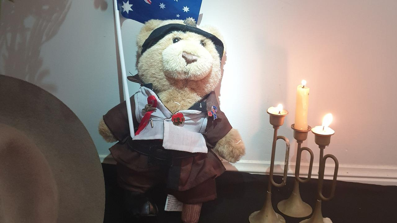 Anzac by Savannah from Woolmar won in the Primary (6–12 years) group, and was also People's Choice winner.