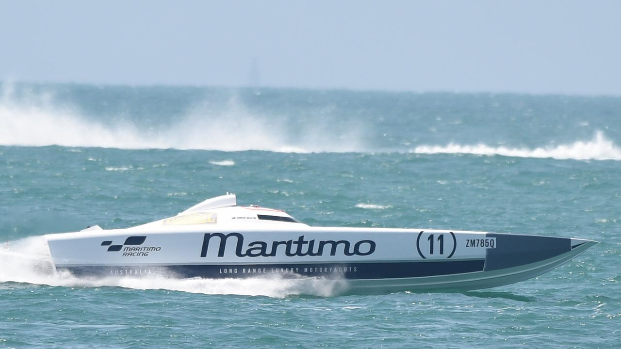 Superboats in Hervey Bay - Maritimo 11.