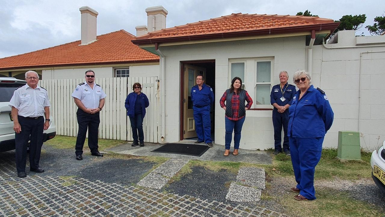 Ballina MP Tamara Smith with Marine Rescue representatives.
