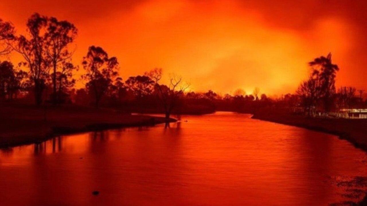 Photograph taken by Stanthorpe resident Keith Barnett on Friday evening during the September bushfires.