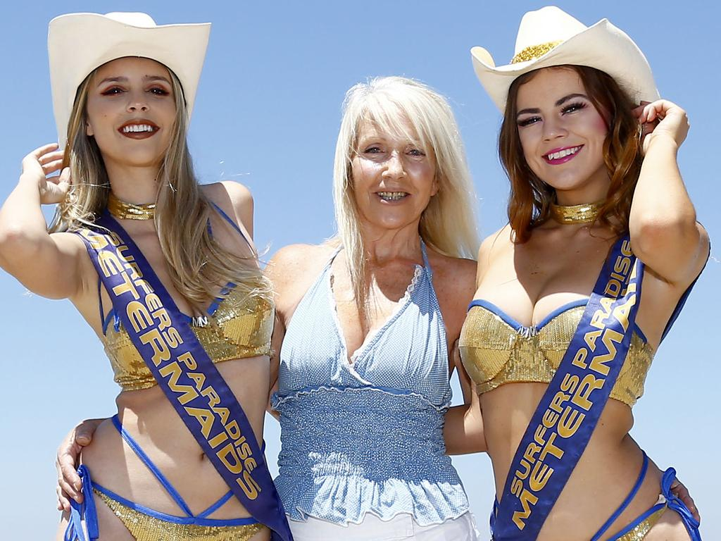 Roberta Aitchison with meter maids Kelly Maybury, right, and Jaqueline Paula, left. Picture: Tertius Pickard