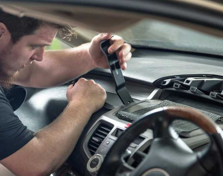 Thousands of cars in Australia have the most faulty airbags still in place.