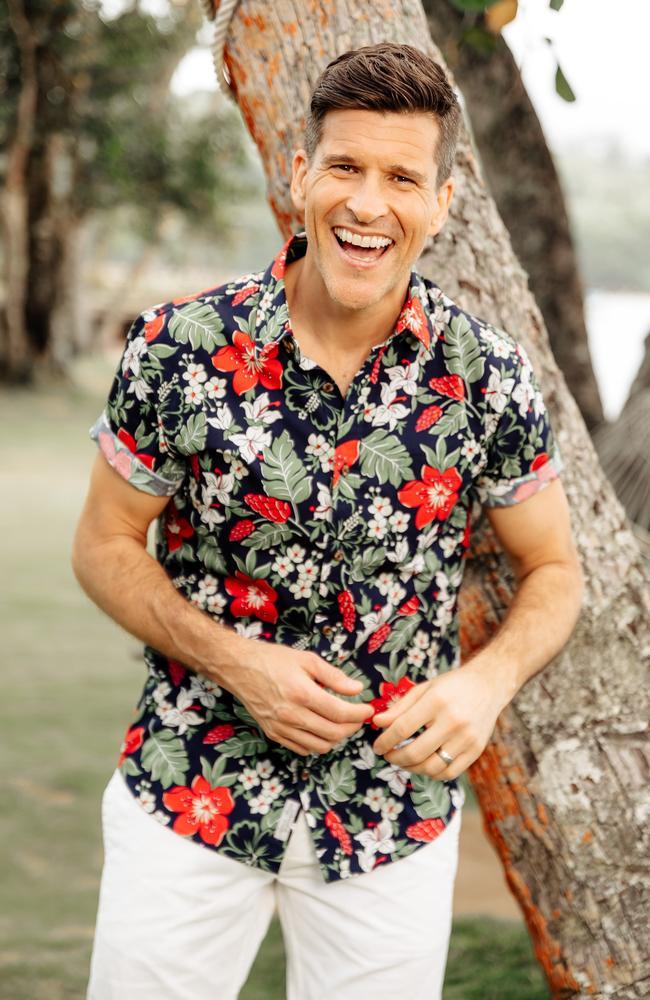 Osher Gunsberg on set of Bachelor In Paradise.