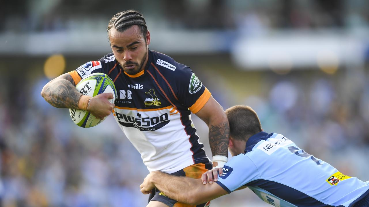 Andy Muirhead of the Brumbies of tackled by Mitch Short of the Waratahs during the Round 7 Super Rugby match between the ACT Brumbies and the Waratahs at GIO Stadium in Canberra, Friday, March 15, 2020. (AAP Image/Lukas Coch)