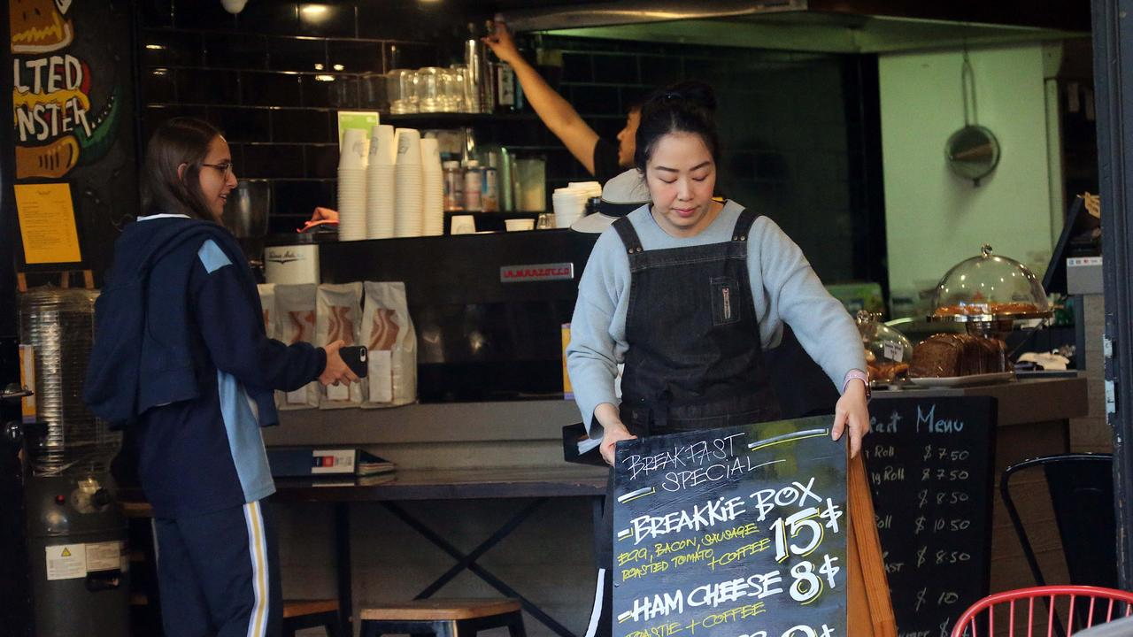 Cafes and restaurants are back in business in Kings Cross and Potts Point. Picture: Matrix News