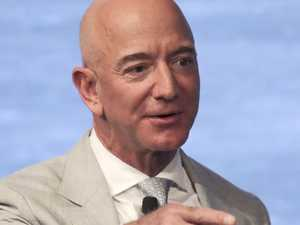 Amazon founder on track to claim world first
