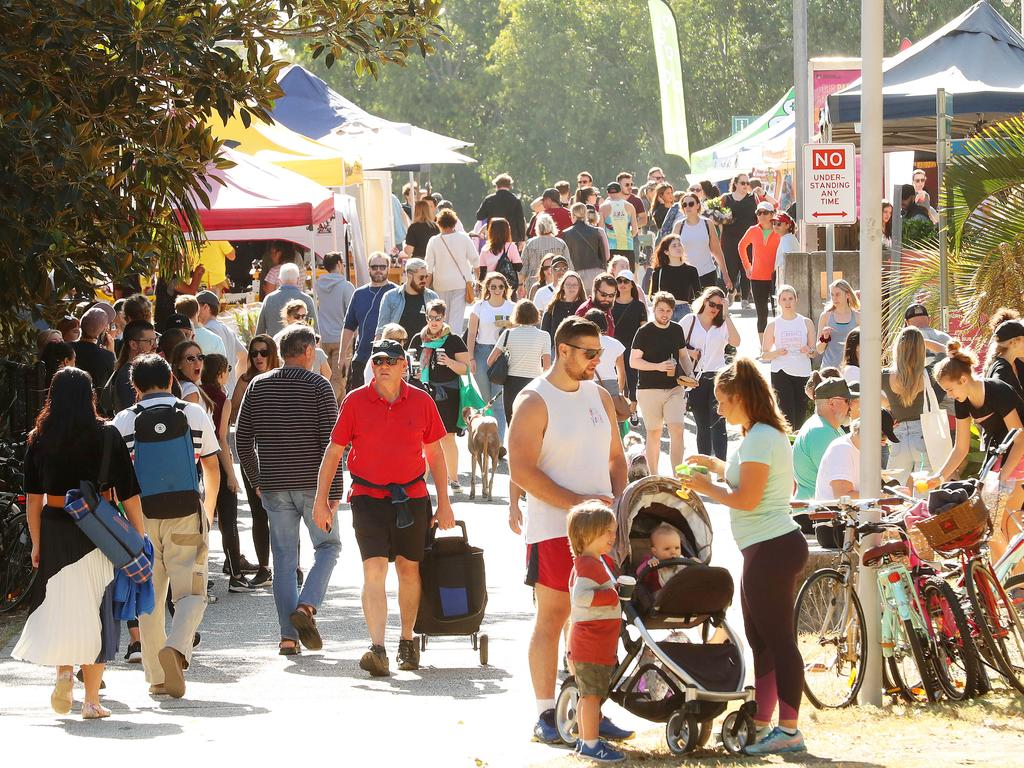 Crowds at the Powerhouse Brisbane Markets, New Farm. Photographer: Liam Kidston.