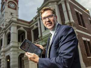 Councillor switches chamber for books as part of free course