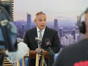 Glitter Strip mayor backs Premier in border war