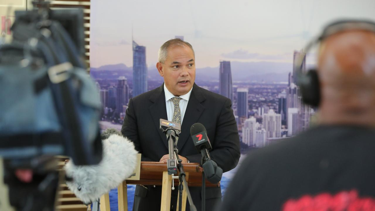 The Gold Coast LNP mayor has thrown his support behind the Labor state government's stance on the Queensland-NSW border.