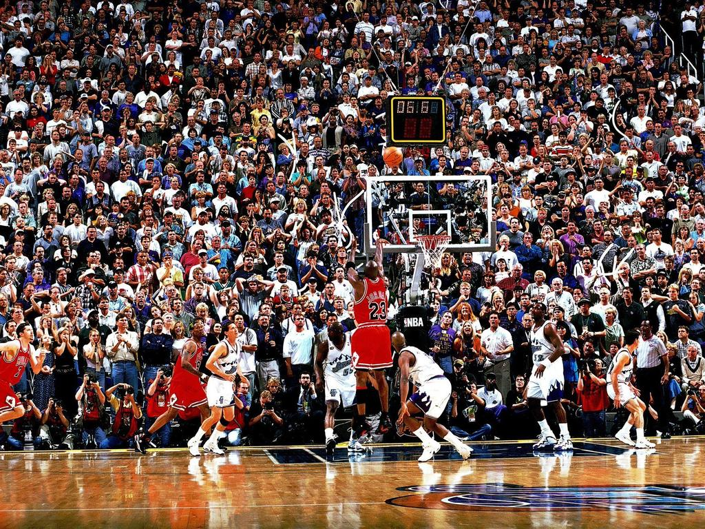 Michael Jordan's iconic photo by photographer Fernando Medina.