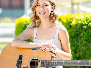 How country star Caitlyn Shadbolt is dealing with isolation