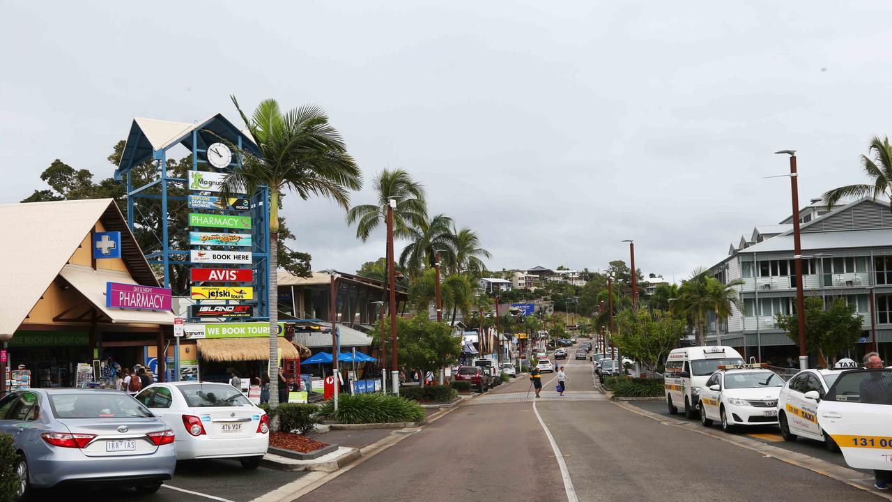 Airlie Beach Main St shop