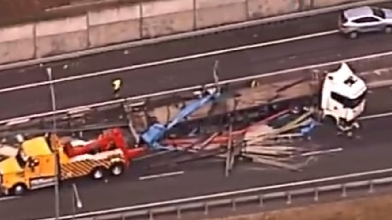 A truck crash is delaying traffic on the Logan Motorway. Picture: 7 News Queensland