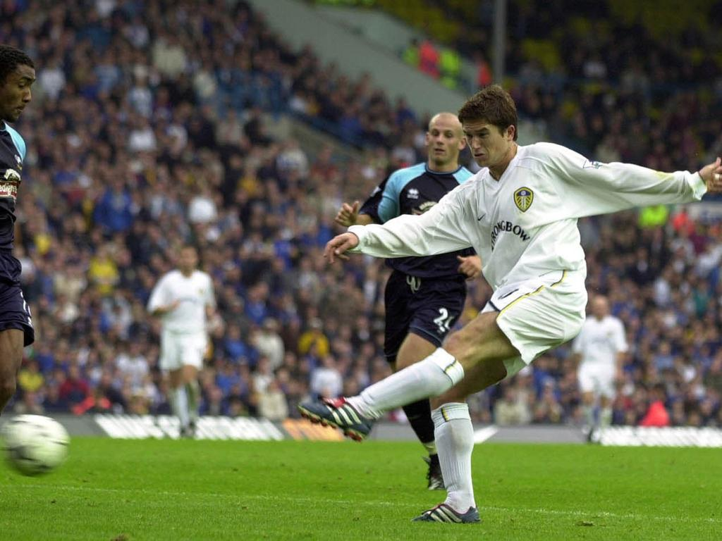 Harry Kewell scores for Leeds United in 2001.