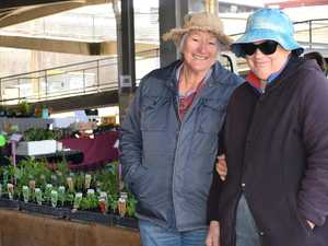 Market stall holders brave the cold
