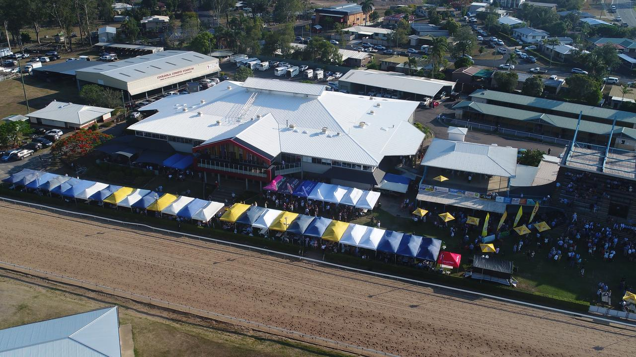 The crowds during the last Gympie race day of 2019.