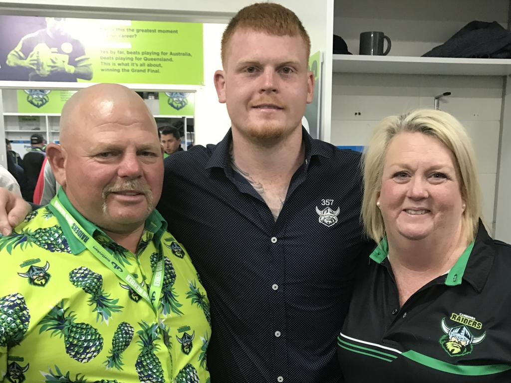 Canberra Raiders player Corey Horsburgh, with father Rick and mother Sandra.
