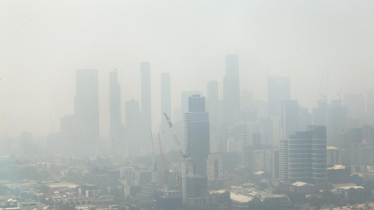 Bushfire smoke blankets Melbourne. Picture: David Caird