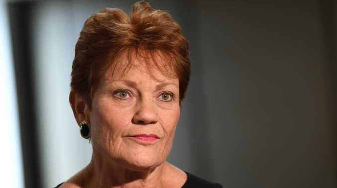 Hanson 'desperate for headlines' over border - Miles