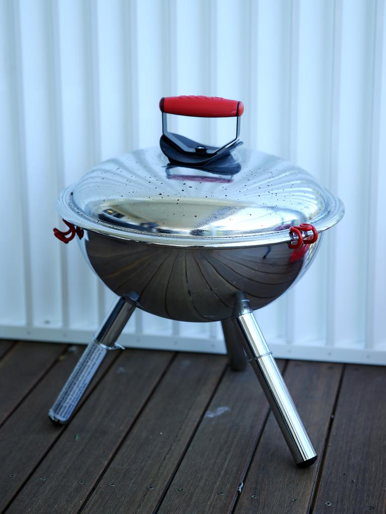 The minin coal cooker is perfect to transform a fresh catch into delicious treats.