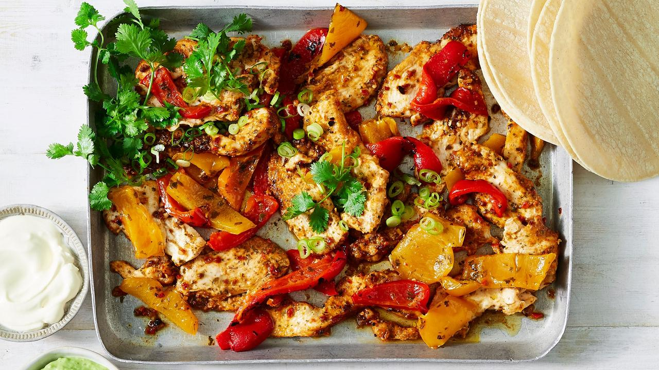 10-Minute Chicken fajita grill bake