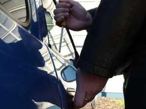 Brazen thief drives off in ute, camper trailer at Seaforth