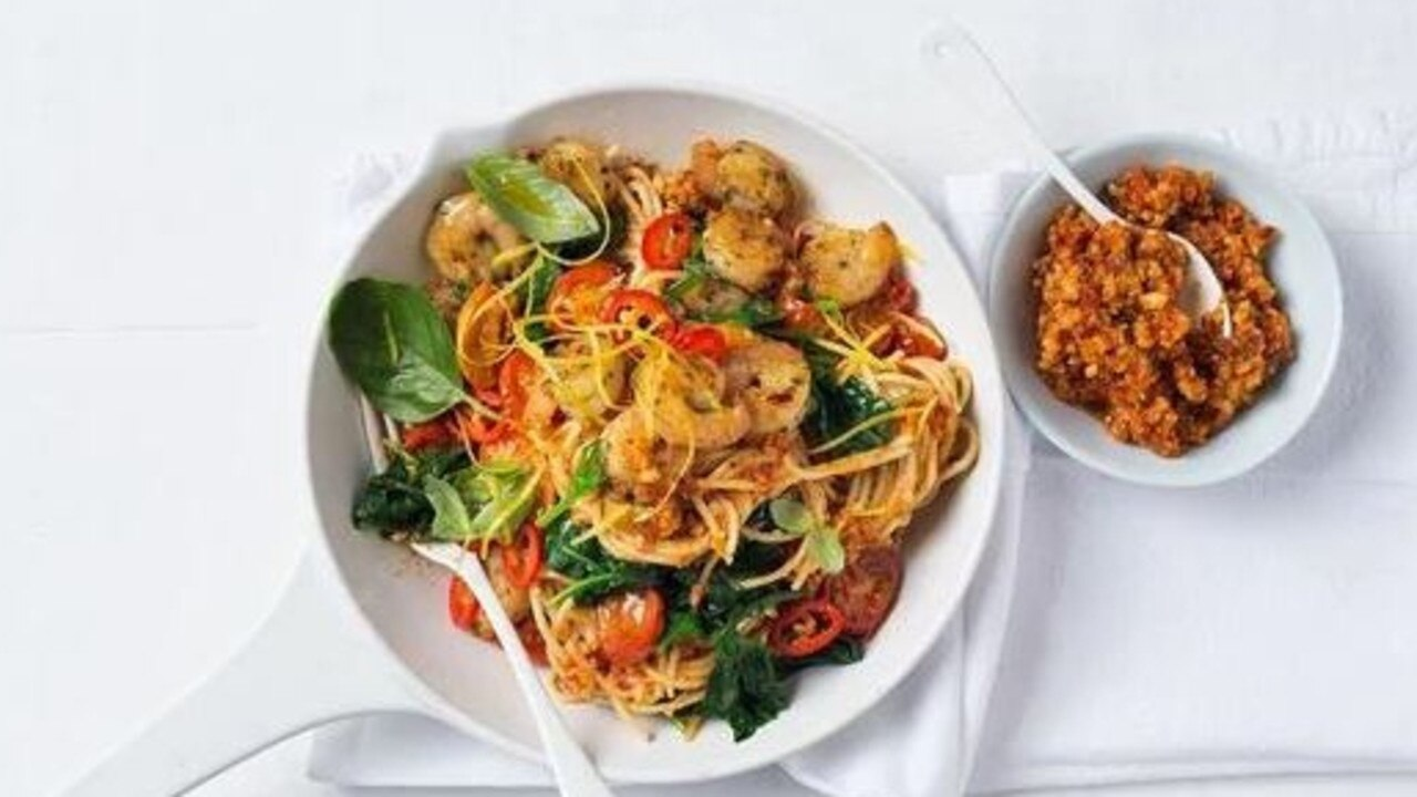 10-minute prawn, tomato and chilli pasta
