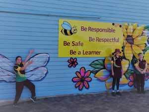 Bundy school unveils new mural