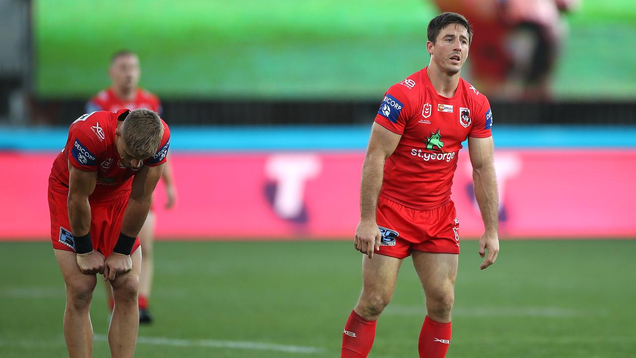 Ben Hunt is already under pressure just one round back from the break.